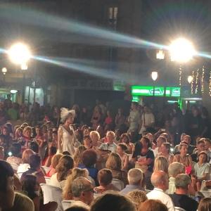 "©Apple Nelken . Desfiles ""Noche Viva"""