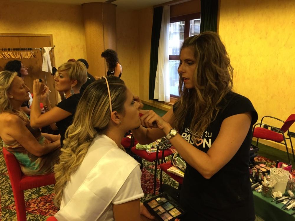 IMG_8392Sesión maquillaje 2 con Mary Kay Mrs+30 Zaragoza 2015 _ Apple Nelken