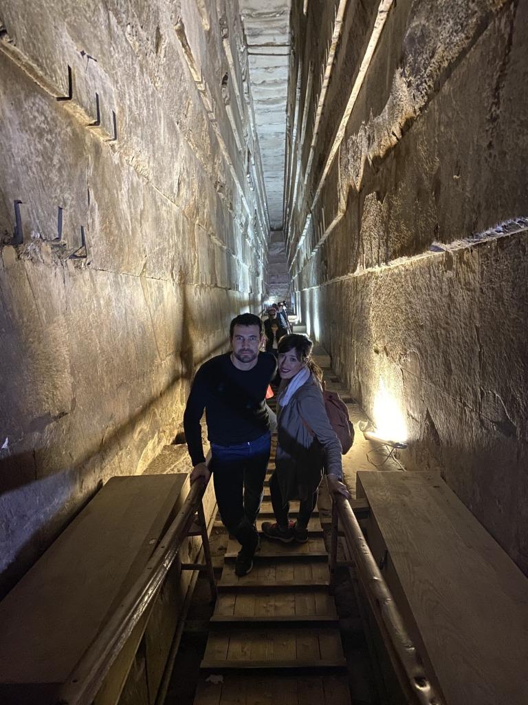Interior de la pirámide de Keops